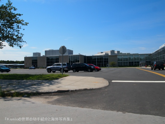 サフォーク郡の中心地 Cohalan Court Complex, Central Islip
