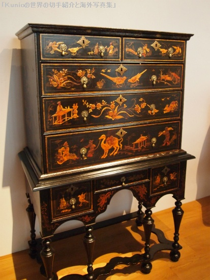Chest of drawers, ca. 1747 Boston Maple, white pine